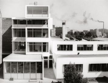 Daniela Brahm, Rotaprint Tischlerei- und Lehrwerkstättengebäude und Produktionshallen, 1959
