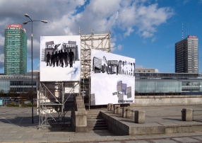 "Daniela Brahm The Big Argument 2009, in: ""Warsaw Under Construction"", Museum of Modern Art in Warsaw site-specific installation, scaffoldings, billboards, large format prints, painting, approx. 11 x 7 x 4 m"